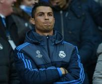Zidane: Ronaldo is in race to be fit for Man City game