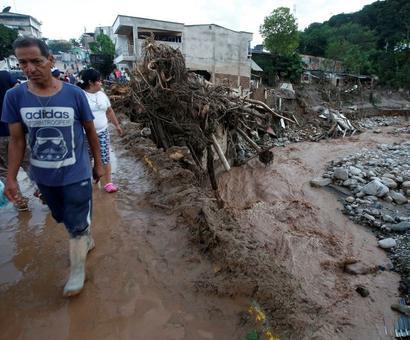Colombian flood, mudslide kills 254, leaves thousands homeless