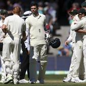 Australia beat England to take 2-0 lead