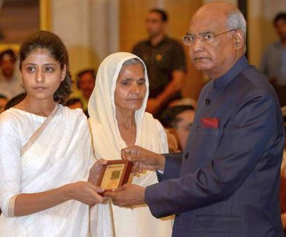 President confers gallantry awards