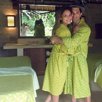 PIX: Bipasha, Karan holiday in Bali