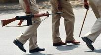 Cops attacked by miscreants in Agra