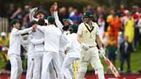 Aussies on the ropes against Proteas in second Test, rain hits Hobart