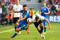 Slick Germany ease into Euro q-finals