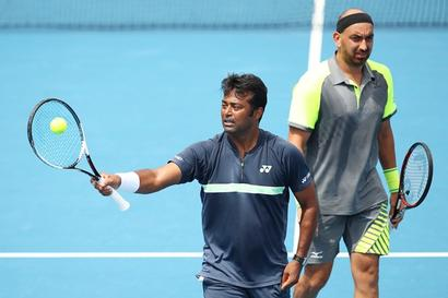 Paes-Raja go down tamely in Aus Open pre-quarters
