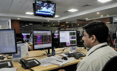 Markets end lower for 4th straight session; HDFC, ICICI Bank slip