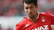 Forest defender Lichaj extends contract