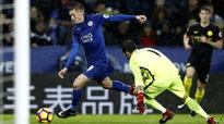 Jamie Vardy ends drought as Leicester city be...