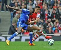 Premier League: Chelsea close in on title after draw against Arsenal; Everton hammer Man Utd