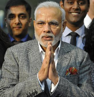 Thank you bhaiyya: PM to scribes' compliment on demonetisation