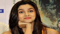 Alia Bhatt shows off her grungy side at AIFW