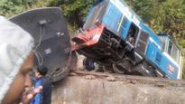 Five hurt, driver serious as Darjeeling heritage train derails at Kurseong