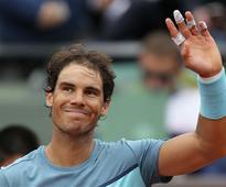 Nadal storms past Italian Lorenzi at China Open
