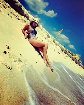 PIX: Sunny Leone hots up the beaches of Mexico!