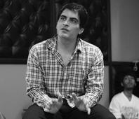 Whatsapp romance is not romance, says actor Manav Kaul