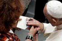 Pope receives victims of Nice terror attack