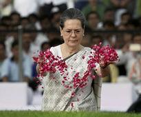 Sonia Gandhi, Narendra Modi, others pay tributes to Jawaharlal Nehru