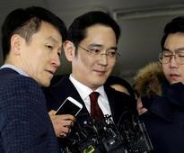 South Korea prosecutor to seek arrest warrant for Samsung Group leader