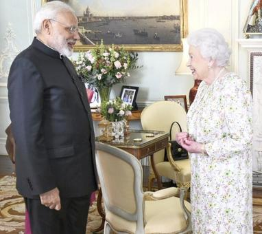 PM Modi meets Queen Elizabeth at Buckingham Palace