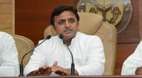 Akhilesh Yadav condemns BSP's outright support to GST bill in Parliament