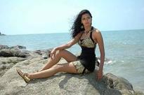 Meenakshi Dixit: Grew from heroine to actress in 'P Se PM Tak'