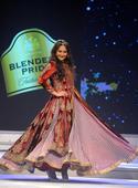 Fashion Tour 2015: Sonakshi Sinha models JJ Valaya