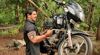 After lifting a bike in Force, John Abraham lifts a 1580 kg car in Force 2