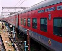 Coach of Jammu Tawi-New Delhi Rajdhani Express derails in Delhi