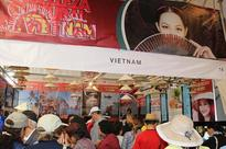 Vietnamese stand attracts visitors at Friendly Cultures Fair...