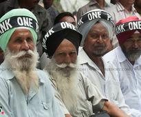 OROP issue LIVE: Rahul Gandhi released, Rajnath Singh ...