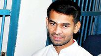 SC seeks explanation on Tej Pratap photo with slain scribe's 'killer'