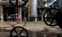 COLUMN - Refinery wars: China, India win; S.Korea, Japan, Singapore lose: Russell