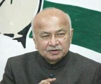Need strong ties with US to fight terror: Shinde
