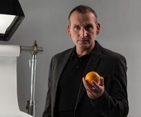 Actor urges nation to #sharetheorange to challenge attitudes towards dementia