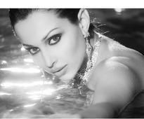 Flora Saini seeks inspiration from Dimple Kapadia