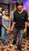 PIX: Shah Rukh parties with daughter, KKR team