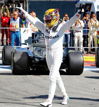 F1: Hamilton wins Italian GP in style to take Championship lead