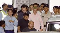 Justin Bieber in India: Salman Khan's bodyguard Shera accompanies the pop star to his hotel!