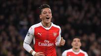 Alexis, Walcott and Ozil start for Arsenal against Middlesbrough