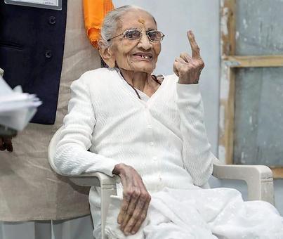 PM Modi's mother, Amit Shah, Jaitley get inked in Gujarat