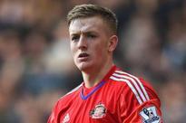 Football: Sunderland keeper Jordan Pickford being tracked by Manchester United