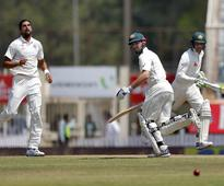 Live Score: Marsh, Handscomb stifle India with gritty batting