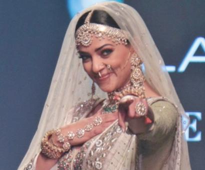 Kotwara at LFW: Showstopper Sushmita Sen proves there is no beauty queen like her