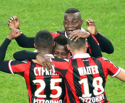 Nice go atop Ligue 1 with 2-0 win against Lyon