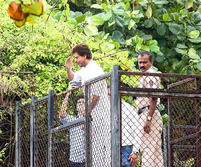 PIX: Shah Rukh, Salman's Eid celebrations