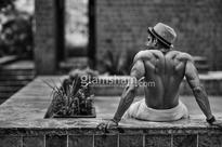 We just can't get enough of these sexiest pictures of Farhan Akhtar - News
