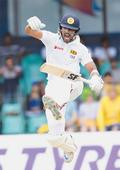 Marsh, Smith keep Australia afloat after Chandimal hits ton