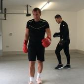Former Liverpool boss Brendan Rodgers unleashes inner Anthony Joshua & takes up boxing (Video)