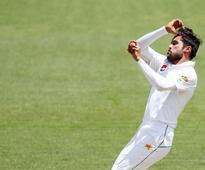 Former captain questions Mohammad Amir's inability to swing