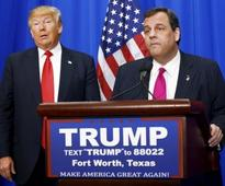 Donald Trump mocks Chris Christie's weight, telling rally 'he can't eat Oreos anymore'